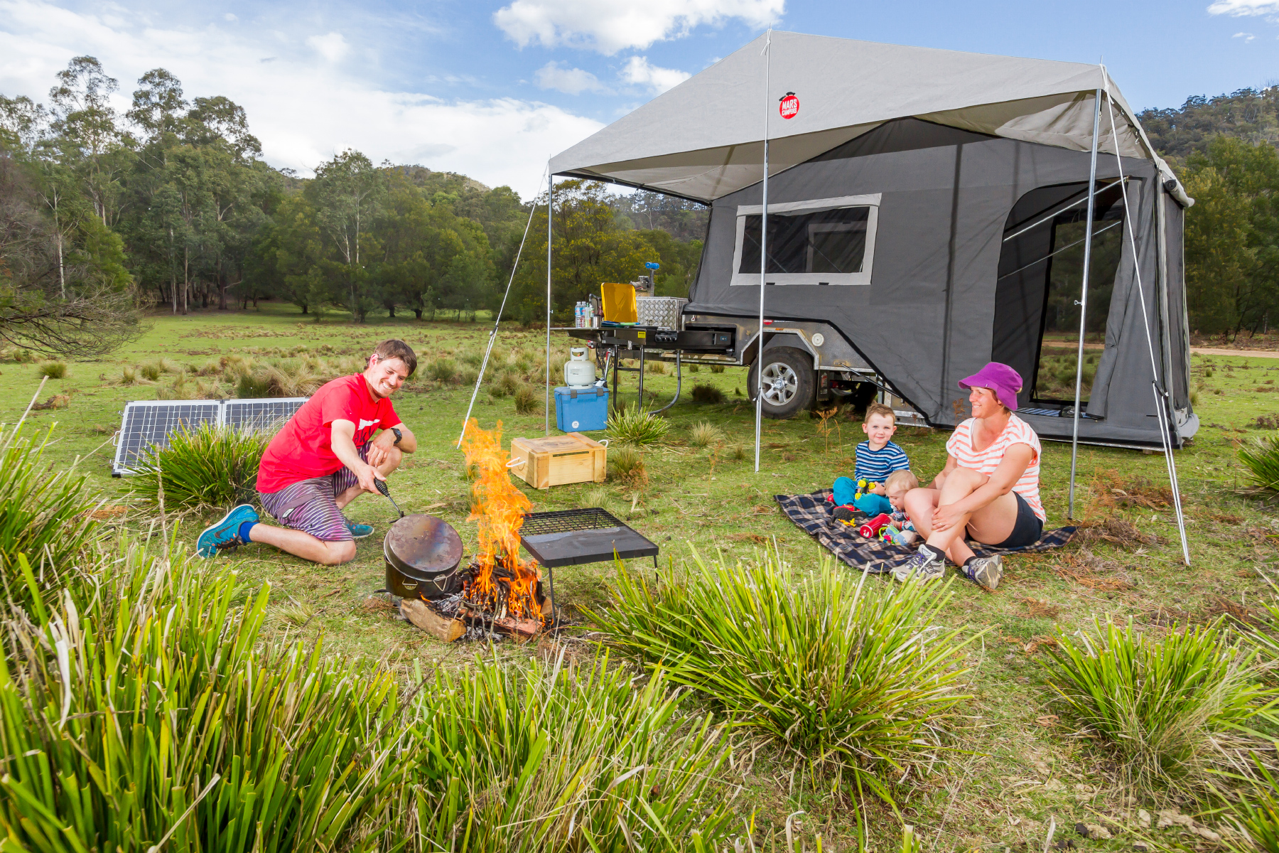 Discover the comforts of our luxurious camper trailers!
